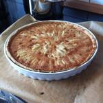 Birnentarte mit Mandeln frisch aus dem Ofen